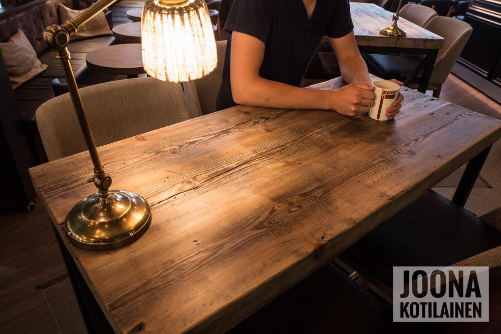 Valokuvaaja Joona Kotilainen - Puuartisti - Coffee House Joensuu